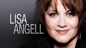France: Lisa Angell performs live N'oubliez Pas