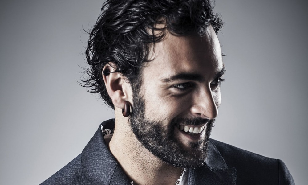 Marco Mengoni wins MTV EMA award