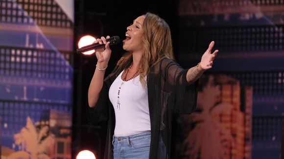 Glennis Grace gives an amazing performance on America's Got Talent Show
