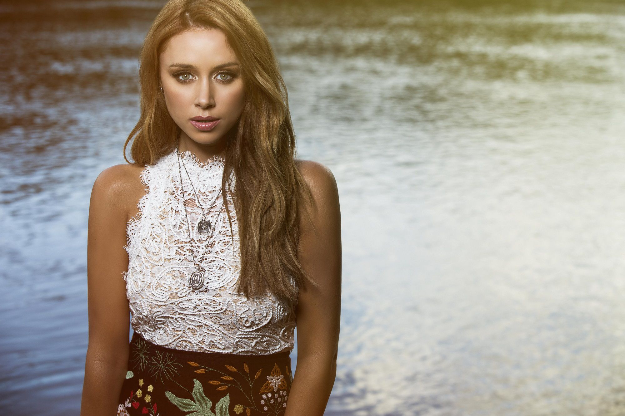 Ireland: Una Healy reported as potential Eurovision 2019 representative