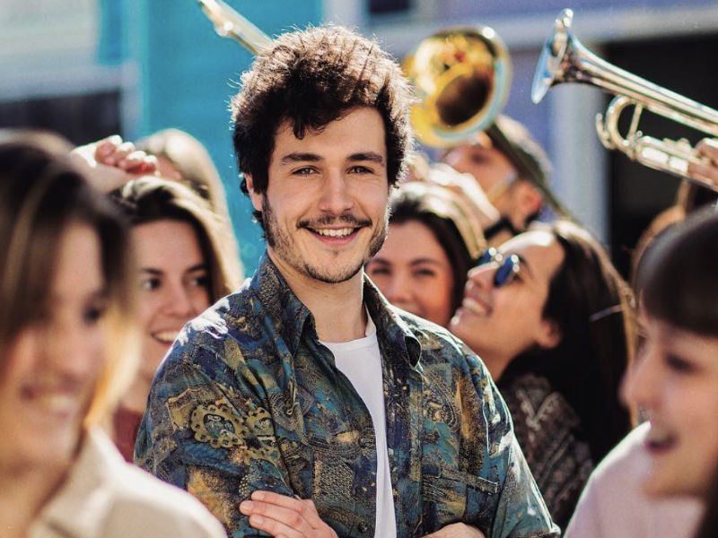 "Spain: Miki over to Israel to film Eurovision 2019 postcard; Music video of ""La Venda"" to be released on March 6"