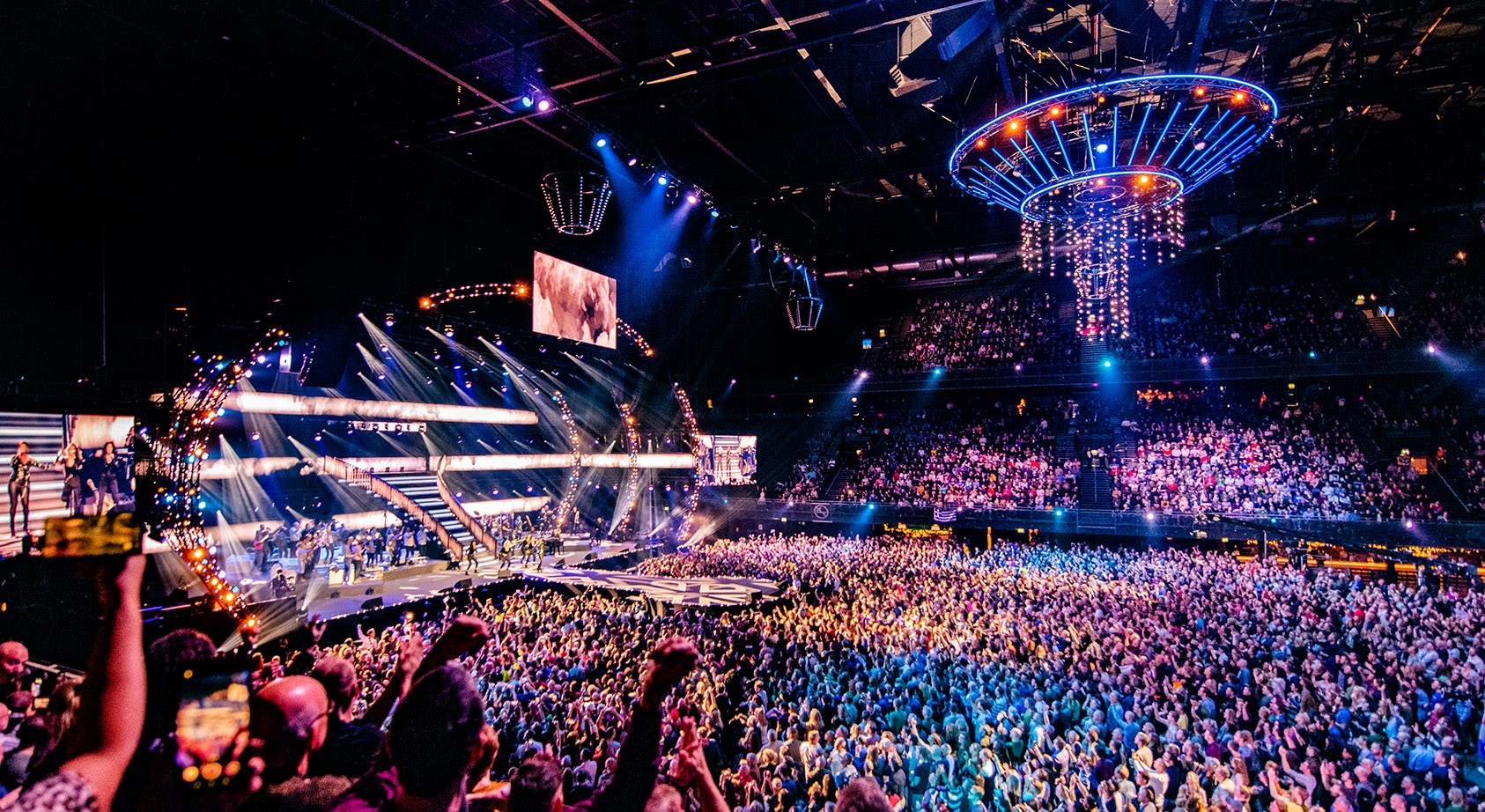 """The Netherlands: Watch the Eurovision stars perform at """"Het grote songfestivalfeest"""""""