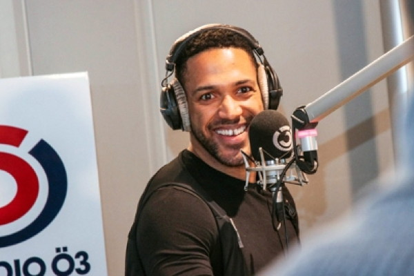 """Austria: Cesár Sampson will be present in Rotterdam; """"Lazy suit"""" his new single"""