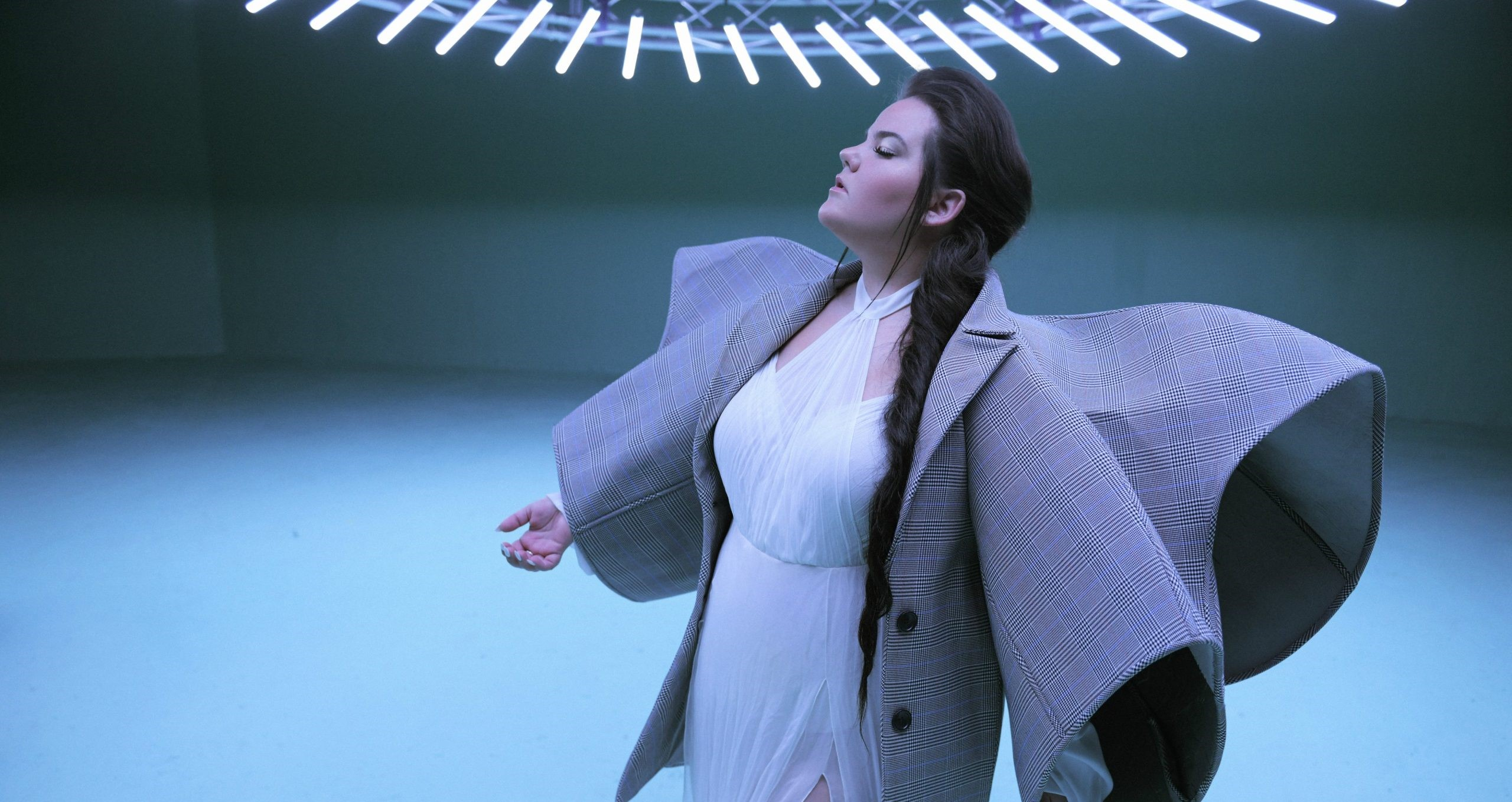 """Israel: Netta releases the official music video of her latest single """"Cuckoo"""""""