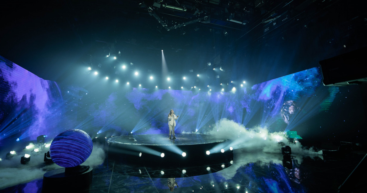 "JESC 2020 first shots: Belarus' Arina Pehtereva records the performance of her JESC entry ""Aliens"""