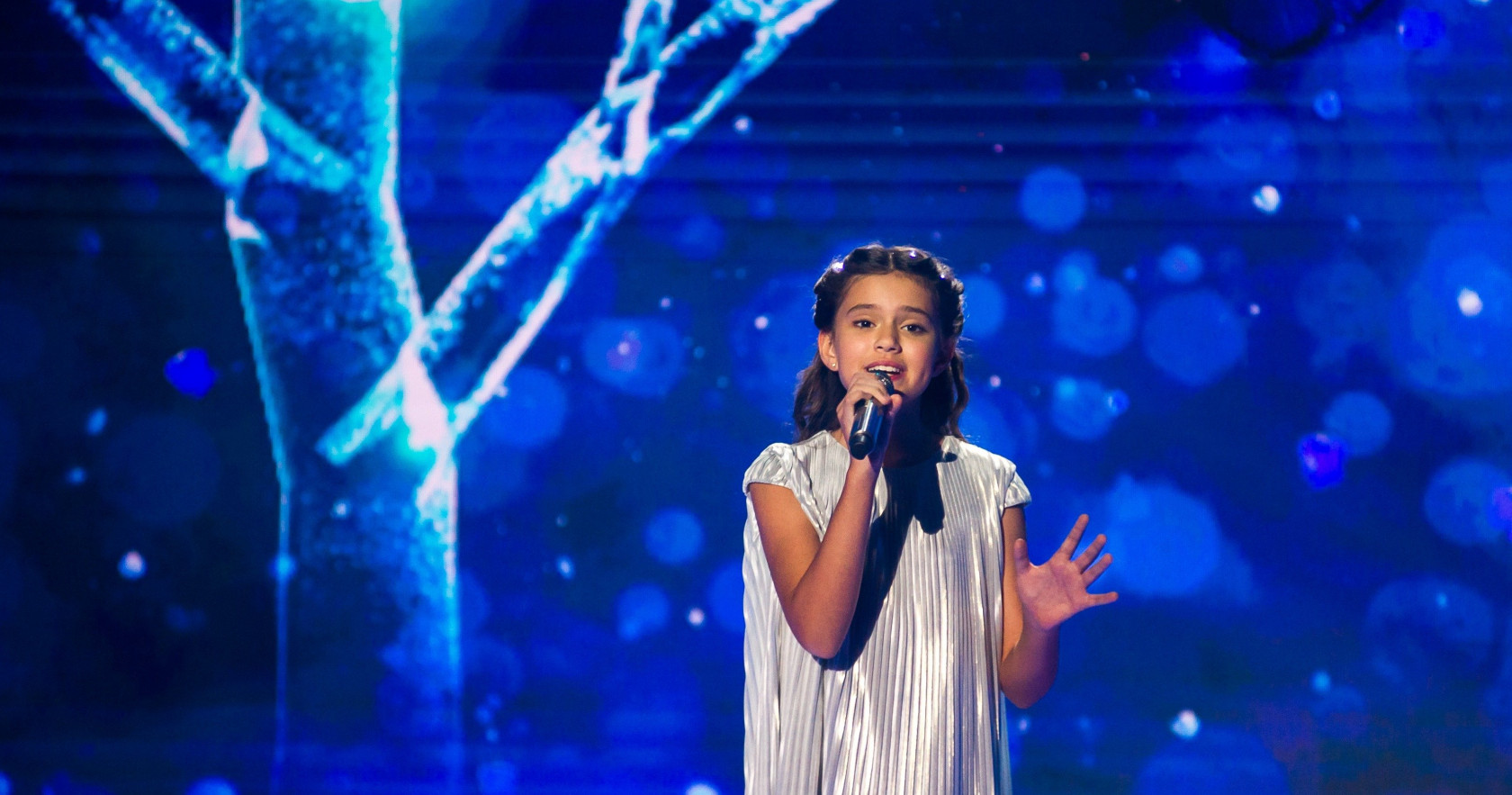 """Russia: Sofia Feskova releases the music video of """"My New Day"""""""