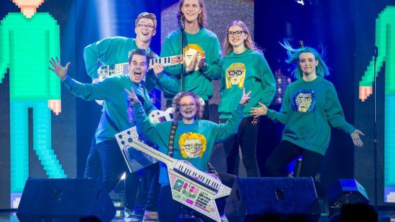 """Iceland: Daði og Gagnamagnið with the song """"10 Years"""" at Eurovision 2021"""